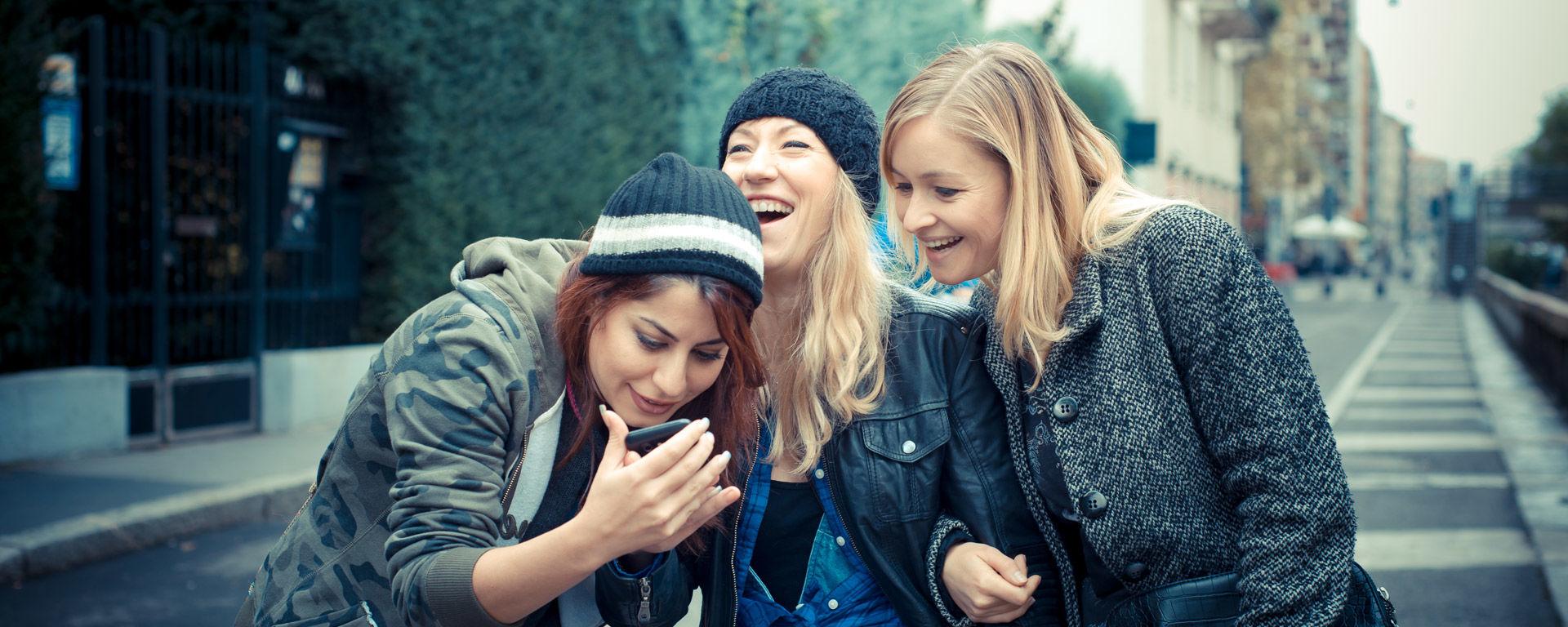 Hyväkysymys.fi erbjuder kunskap och stöd för unga.