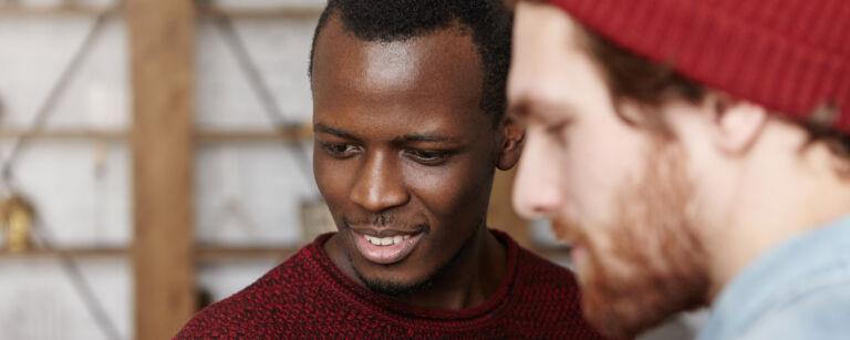 Hyväkysymys.fi erbjuder kunskap och stöd i frågor relaterade till mångkulturalism.